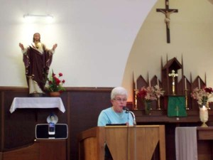 sr_maureen_reading-600